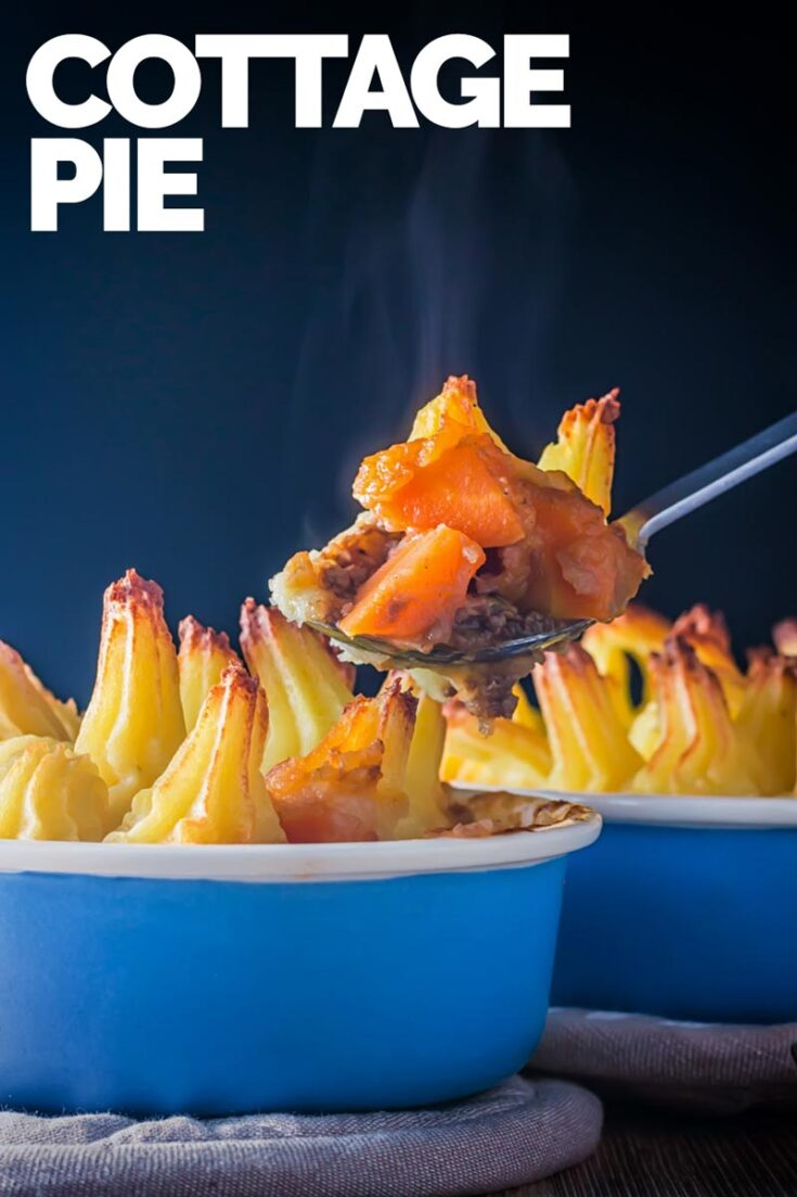 A Cottage Pie is a wonderful homely British recipe of braised ground beef and root vegetables in a gravy topped with a crispy potato top. #groundbeefpierecipe #traditionalbritishrecipes