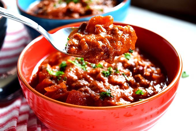 "Slow Cooked Food Rocks: CHUNKY VEGETARIAN ""BEEF"" CHILI"