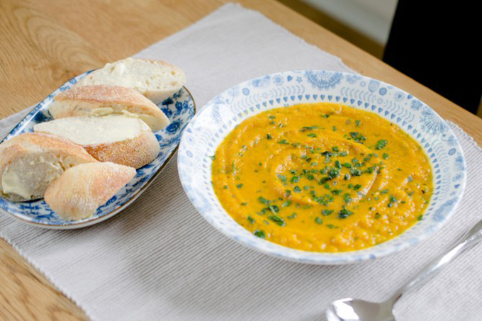 Slow Cooked Food Rocks: Carrot and Coriander Soup