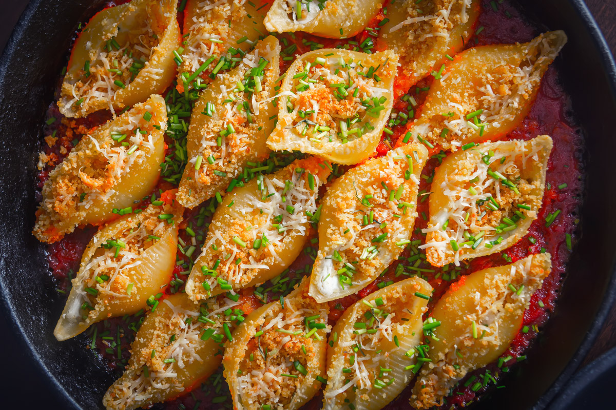 Skillet Goats Cheese Stuffed Pasta Shells | Krumpli
