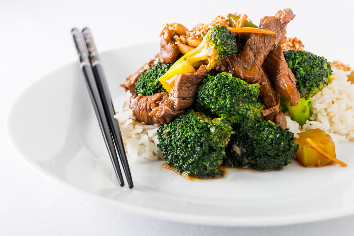 Beef-and-Broccoli-Stir-Fry-Feat-1