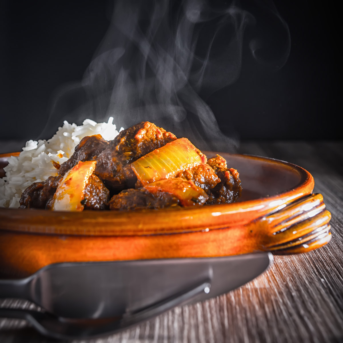Dopiaza is Persian for two onions apparently and this beef dopiaza fakeaway is an ode to my love of British Indian Curry Houses with a little help from the InstantPot.