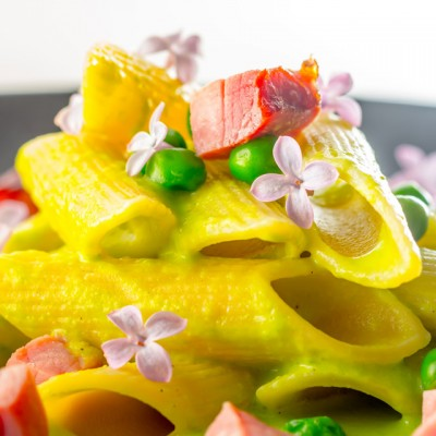 Pea and ham, are like well, two peas in a pod and this Pea and Ham Penne Rigatoni recipe is quick simple and gloriously tasty!