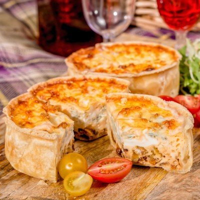 These mini picnic quiche are loaded with caramalised onions and Gorgonzola cheese and are the perfect size to slip in to a picnic basket!