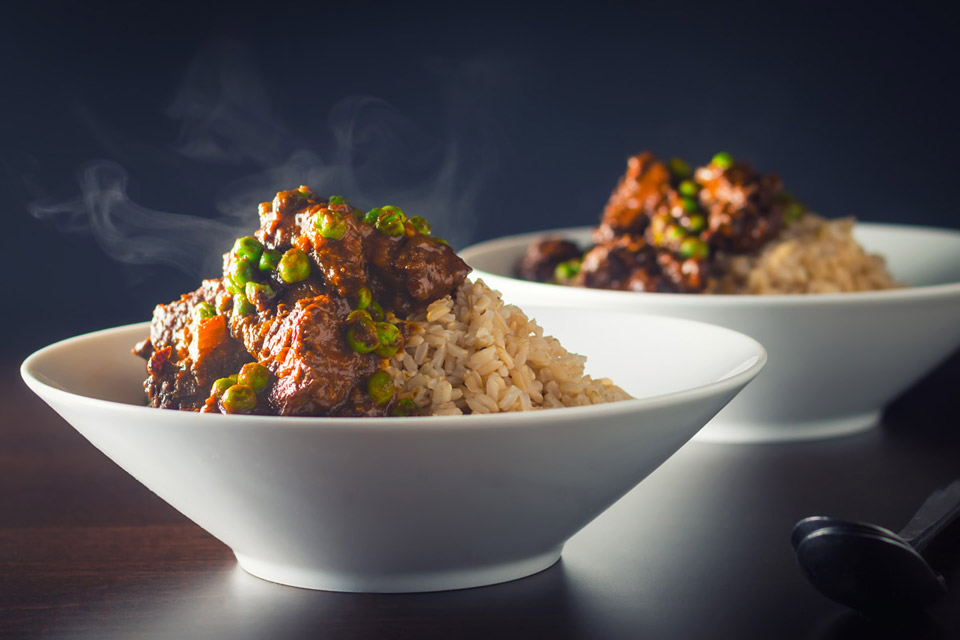 This beef curry with sweet garden peas borrows some flavours from a keema but is a big hearty but really simple introduction to Indian flavours.