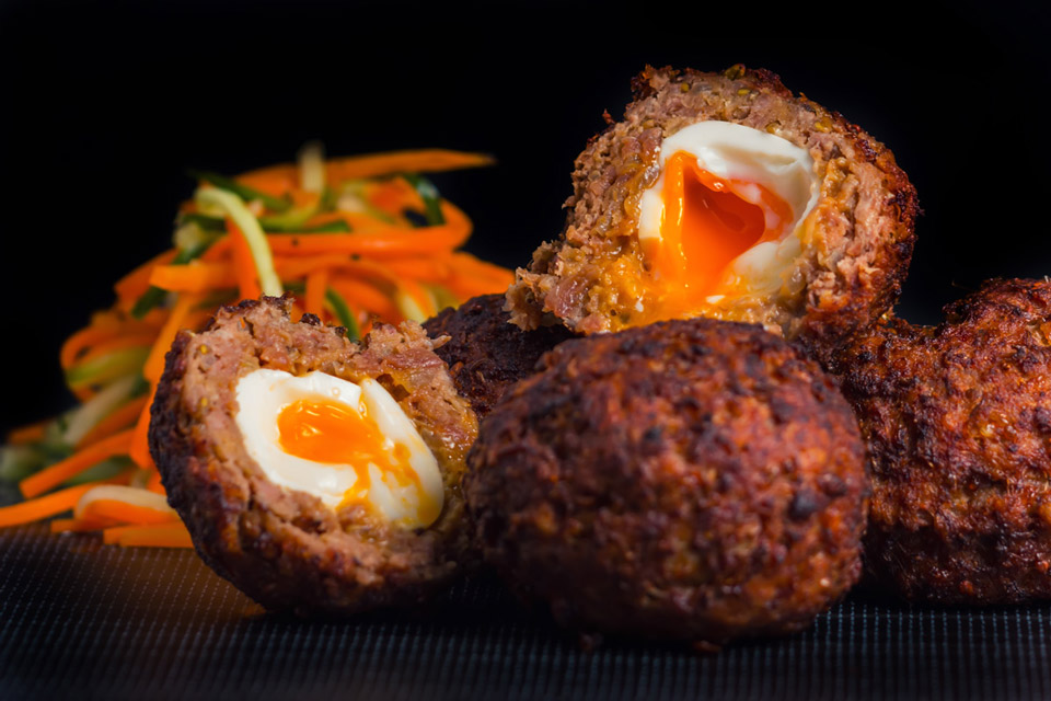 I love Scotch Egg & I have been tring to replicate an Indian version, the Nargis Kebab for quite some time and by jove I think I have cracked it!