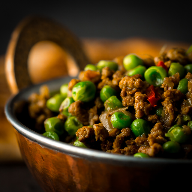 Keema matar is a classic Bangladeshi/Pakistani curry featuring lamb or mutton and peas in a delightfully simple spicy fragrant gravy.