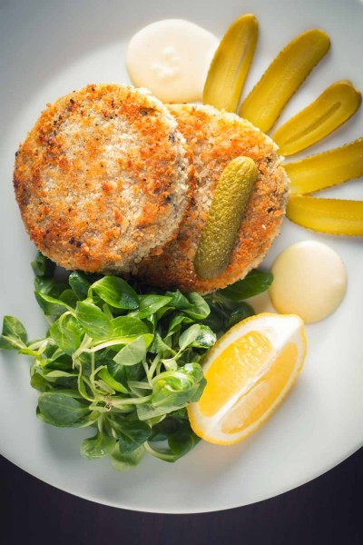 Don't be afraid of canned fish, the good stuff really can make great fast and really tasty dishes like this canned mackerel fish cake.