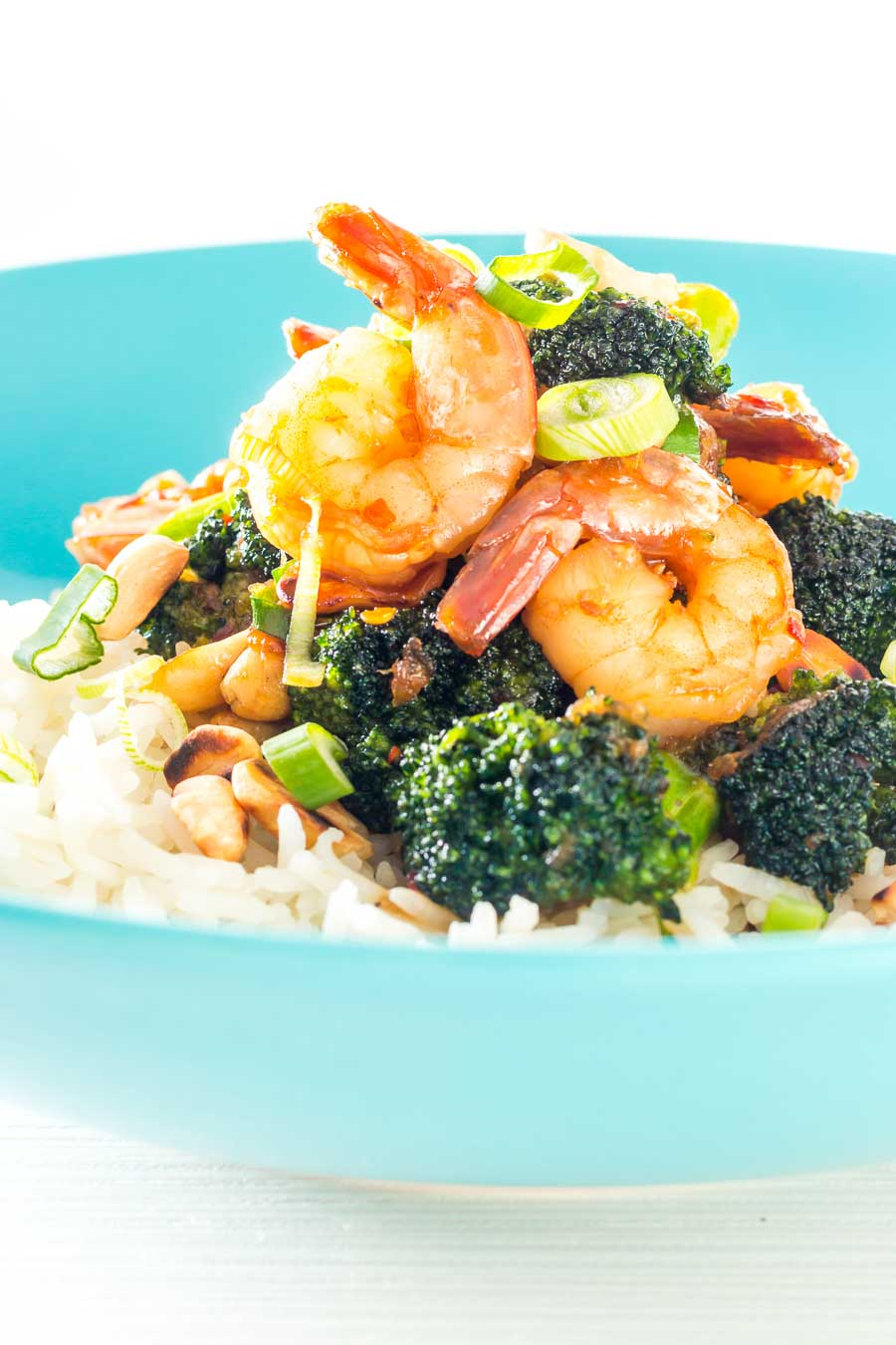 This Teriyaki Shrimp with Broccoli dish is one of those crazy quick moorish dishes that will have you dumping those takeaway menus!
