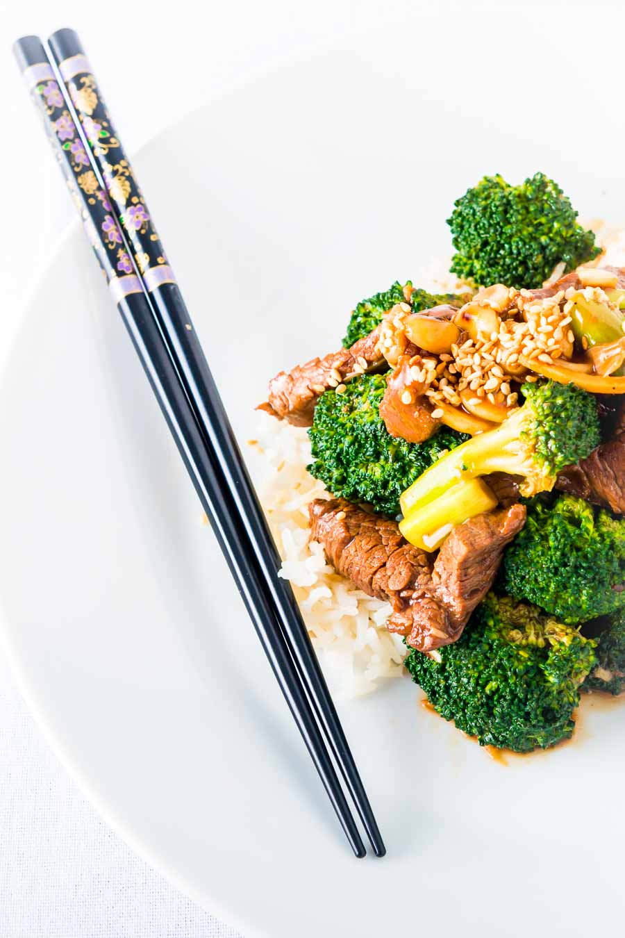 Beef and Broccoli Stir Fry is one of the most popular takeaway dishes, my version uses all of the broccoli and is super quick.