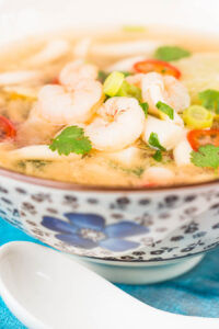 Hot and sour soup is Chinese restaurant classic, this hot and sour shrimp soup version is lighter than many and packed with the flavours of lemongrass and lots of chili!