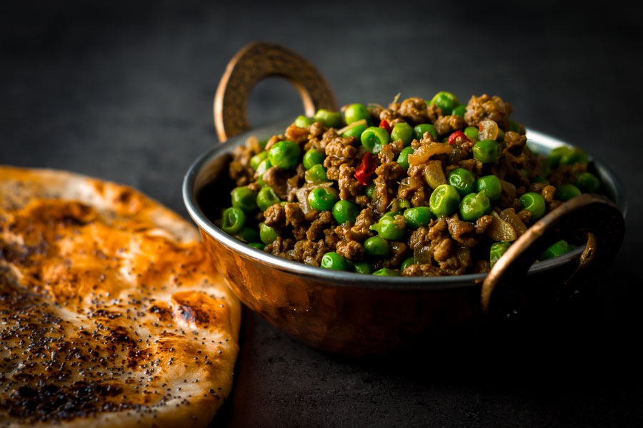 Keema matar is a classic Bangladeshi/Pakistani lamb curry featuring either lamb or mutton and peas in a delightfully simple spicy fragrant gravy.