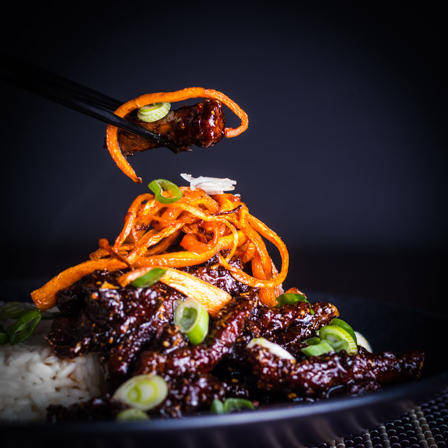 Sticky Chilli Beef is my idea of an indulgent treat, sure it is not the most 'health conscious' meal but boy does it taste fantastic!