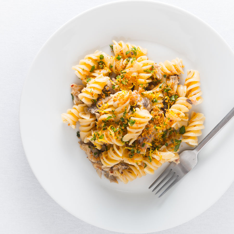 Simple, fast, frugal and packed full of flavour, this Smoked Mackerel Pasta With Chili is a delight that deserves a place at any table.