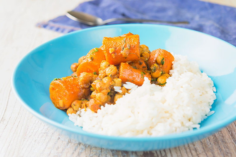 Indian food is well known for vegan and vegetarian fodder and this carrot and chickpea curry is super simple and packed with big flavours!