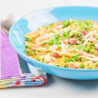 Pasta with Peas and Ham in Broth