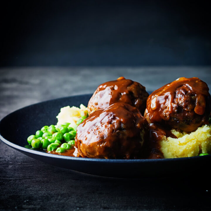 Recipe for Pork Faggots and Peas with Mashed Potatoes