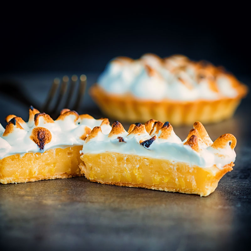 Make this mouth-watering individual lemon meringue pie for dessert tonight, this is a dessert for one so you can indulge your sweet tooth without sharing! I can not even tell you how great this flaky pastry is.