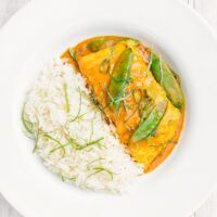 Simple Thai Salmon Curry with Mangetout