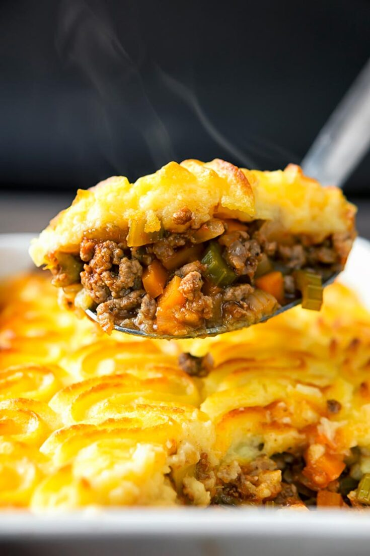 A Shepherds pie is a delightfully old fashioned comfort food recipe that is fortunately as popular today as it ever was. Often tweaked and played with my version remains mainly traditional featuring ground lamb, lots of vegetables and the richest of mashed potatoes as a topping. #dinnerfortwo #shepherdspierecipelamb #casserole