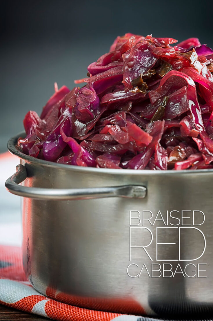 A simple braised red cabbage recipe is as essential to a good Sunday Lunch as it is a Christmas Dinner, it may take time but it is very easy! #BraisedRedCabbage #sidedishes #christmassidedishes #redcabbagecloseup #sundaylunchsides #sidedishesfortwo