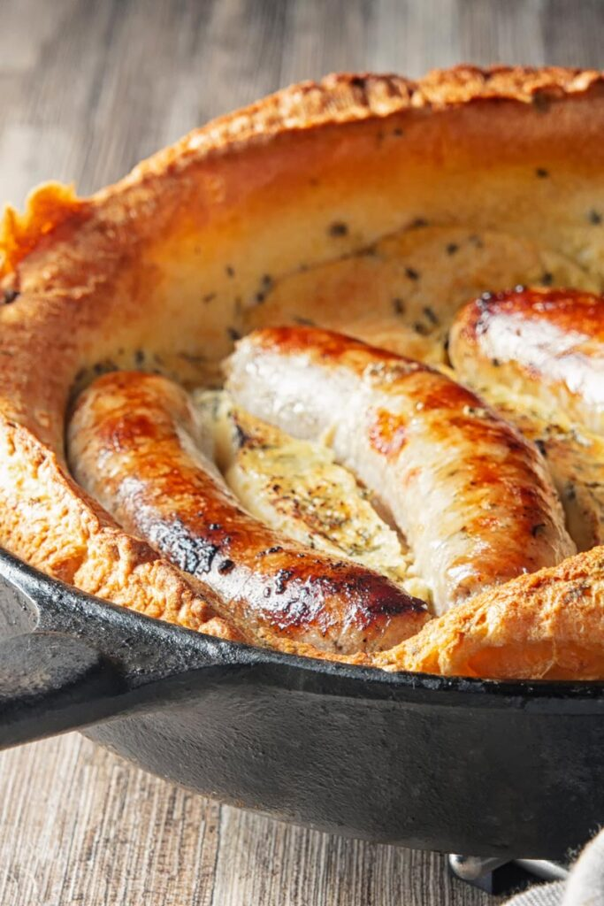 Easy Toad in the Hole in a Cast Iron Skillet | Krumpli