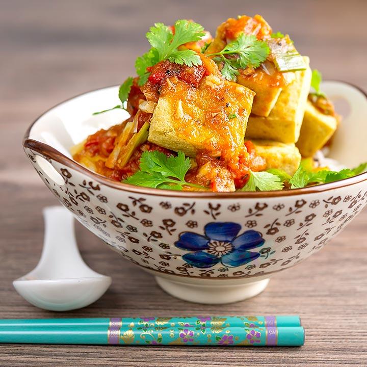 VIetnamese Fried Tofu Recipe with Tomato Sauce